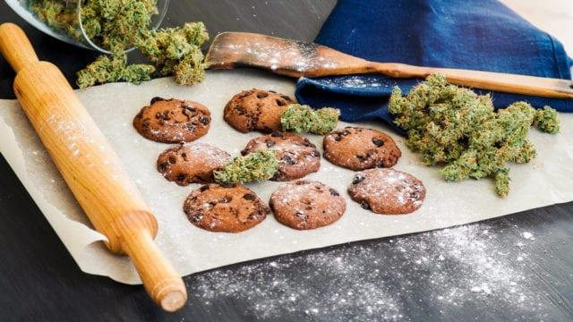 https://mugglehead.com/wp-content/uploads/2018/11/marijuanacooking-640x360.jpg