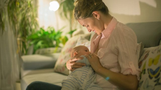 https://mugglehead.com/wp-content/uploads/2019/04/breastfeedingmother-640x360.jpg