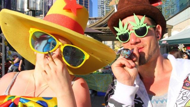 https://mk0muggleheadfl9s2sr.kinstacdn.com/wp-content/uploads/2019/08/420-rally-2015-pot-smokers-640x360.jpg