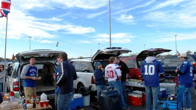 https://mugglehead.com/wp-content/uploads/2020/01/LiteBud-hopes-to-cash-in-on-success-of-light-beer-market-tailgate-party-640x360.jpg