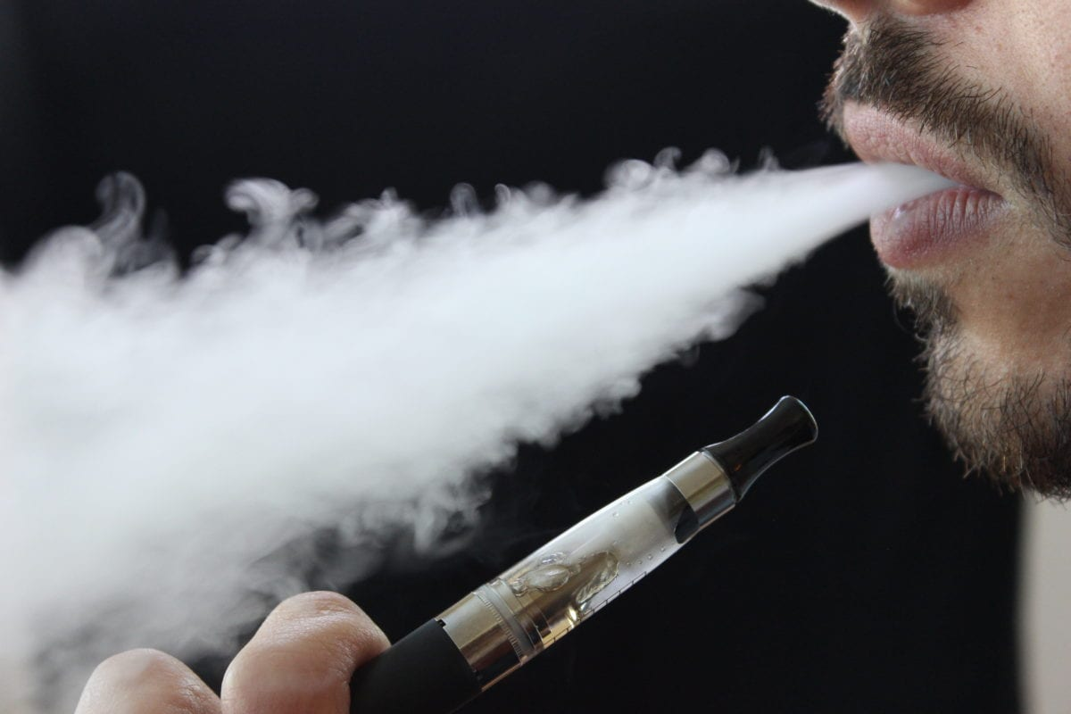 Threat of the vaping-related lung illness hasn't passed, says Oregon doctor
