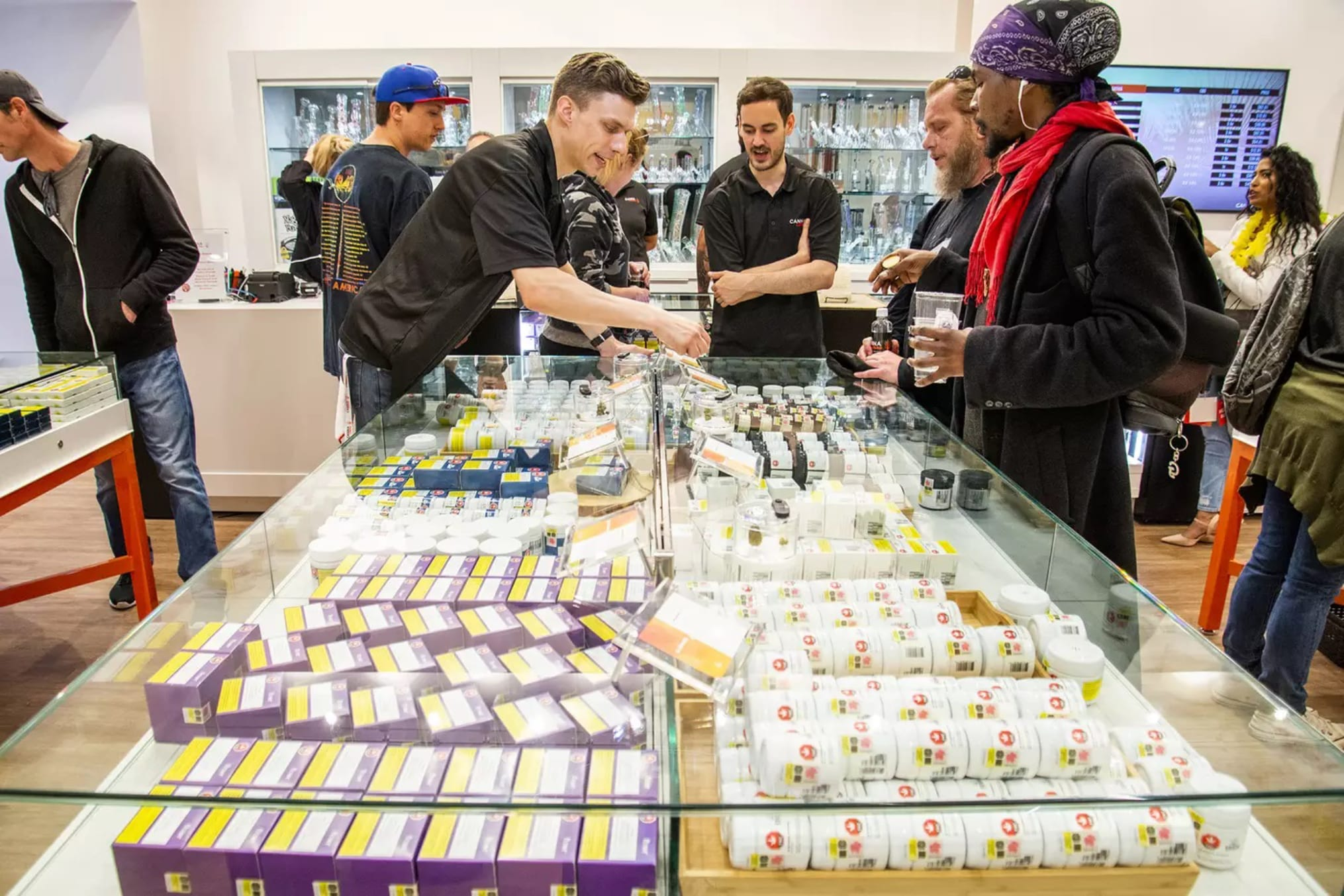 Canadian pot retailers applaud provinces for calling cannabis 'essential'