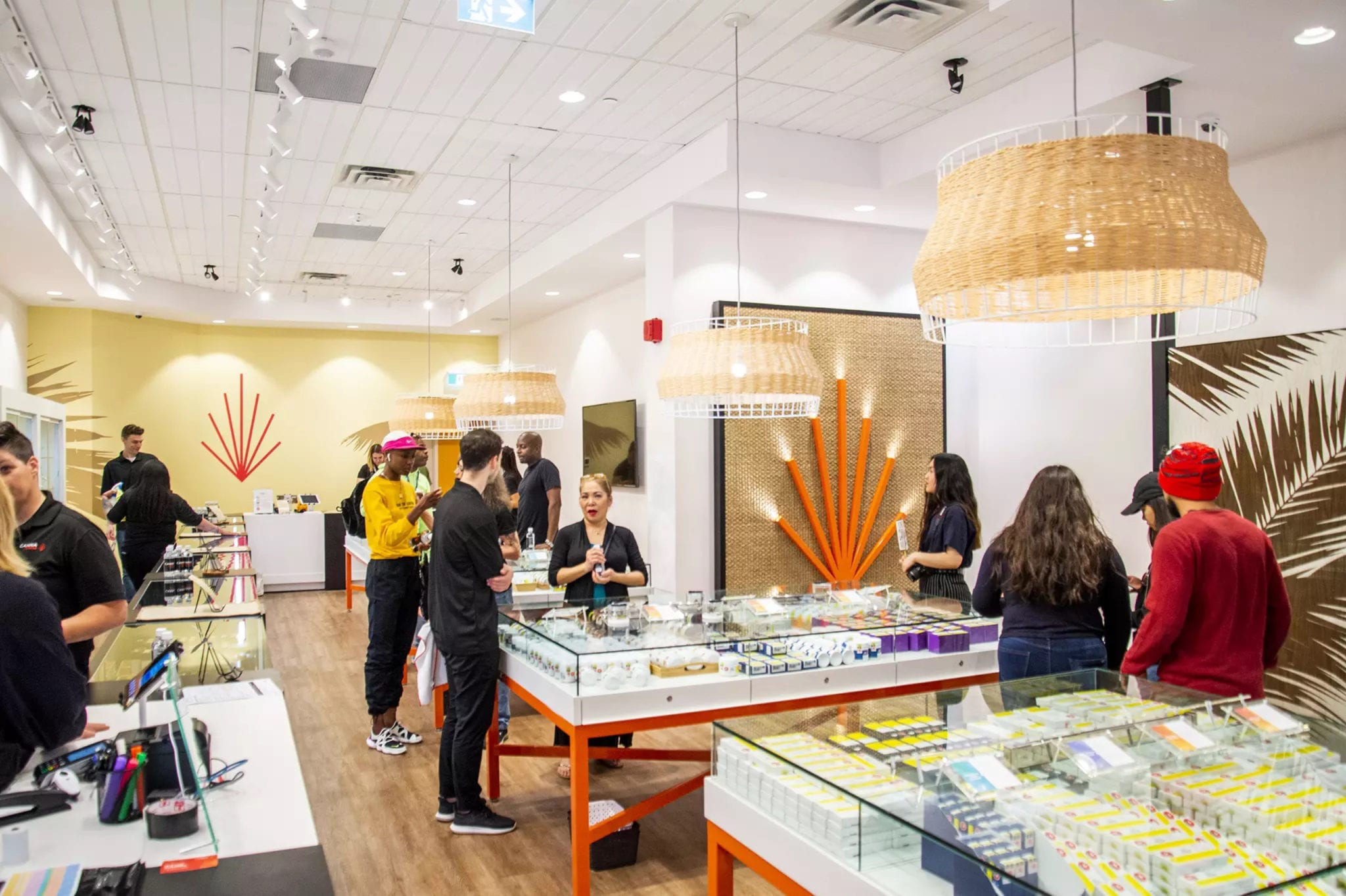 Pot retailer High Tide issues temporary layoffs in Ontario