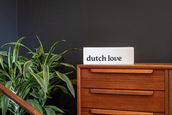 dutch love cannabis logo