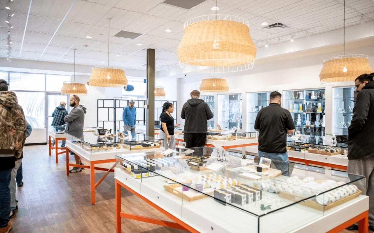 A profitable year for Canadian cannabis retailer High Tide - canna cabana