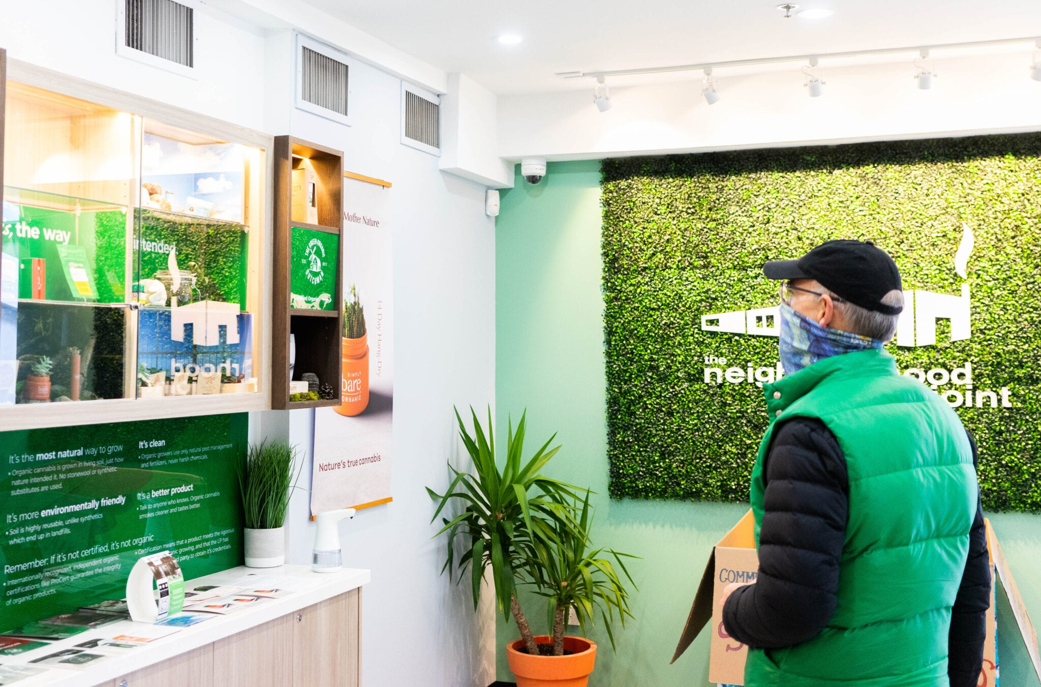 Canadian weed sales bounce back to almost $300M in March