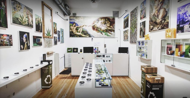 West Vancouver set to approve first 4 pot shops - La Canapa