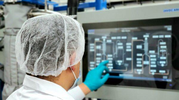 Nextleaf Solution employee in a lab