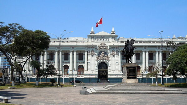Wideshot of Peru's Congress building in Lima during the day
