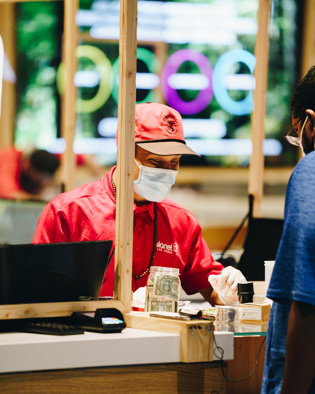 Global cannabis sales grow 41% in 2021 BDSA - planet 13 cashier